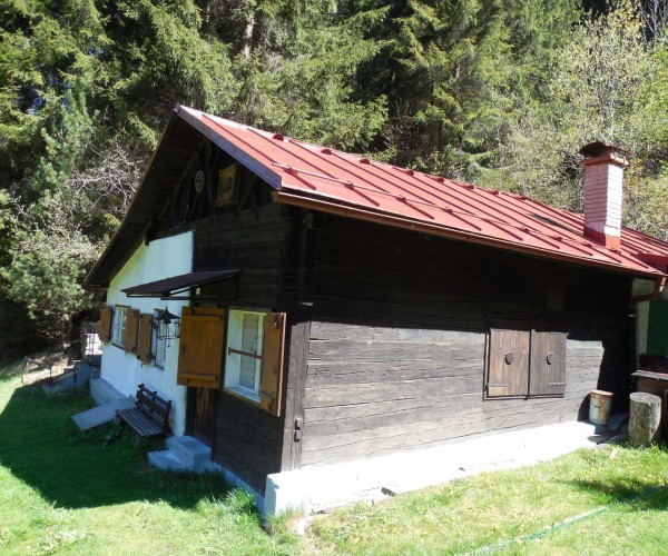 berghuette-kaufen-innsbruck-aussenansicht2