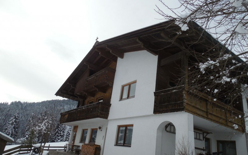 Landhaus-mieten-999-222-Hausansicht