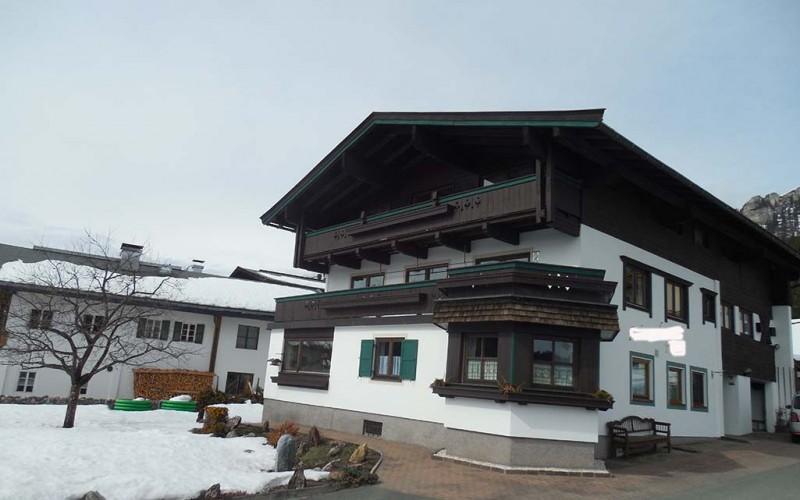 haus-mieten-skigebiet-fieberbrunn-hausansicht3